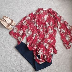 Red flowing lush top size m